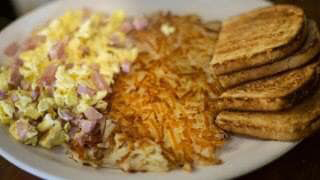 12-Ham-cheese-omelet-hash-browns